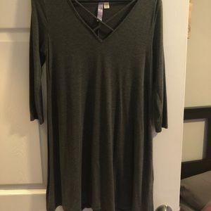 Francesca's long sleeve grey dress.